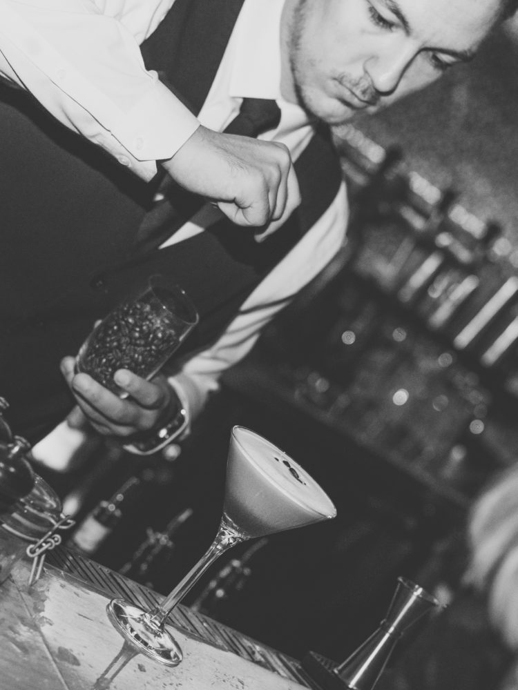 Cocktail shaking 2.0