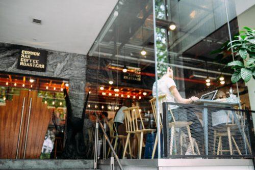 Openbare wifi-netwerken, Laptop by Blake Wisz on Unsplash