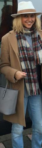 Een dagje naar Lille met de nieuwe NS HIspeed verbinding. Outfit: Boyfriend jeans, Filippa K blouse, Max Mara jas, Hermes hoed, Urban Outfitters shawl en Michael Kors Jet Set tas