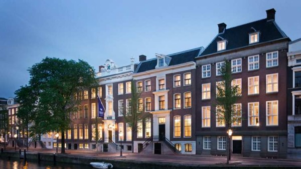 Six historical canal palaces on the Herengracht