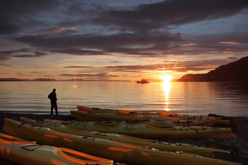 Midnight-Sun-Frank-Andreassen_www.nordnorge.com_Longyearbyen