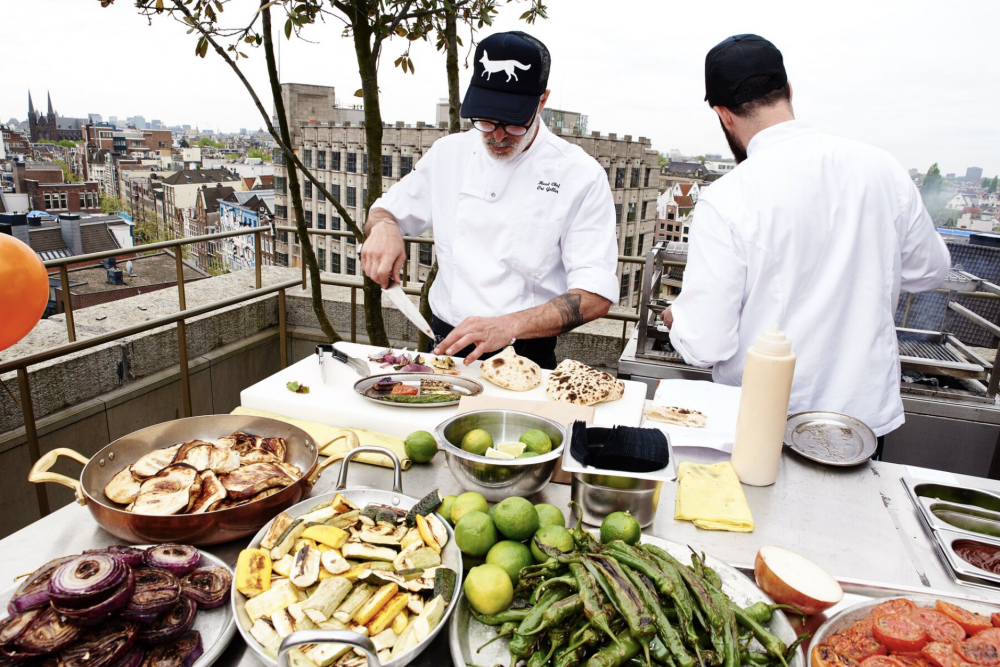 rooftop barbecue bij MR PORTER