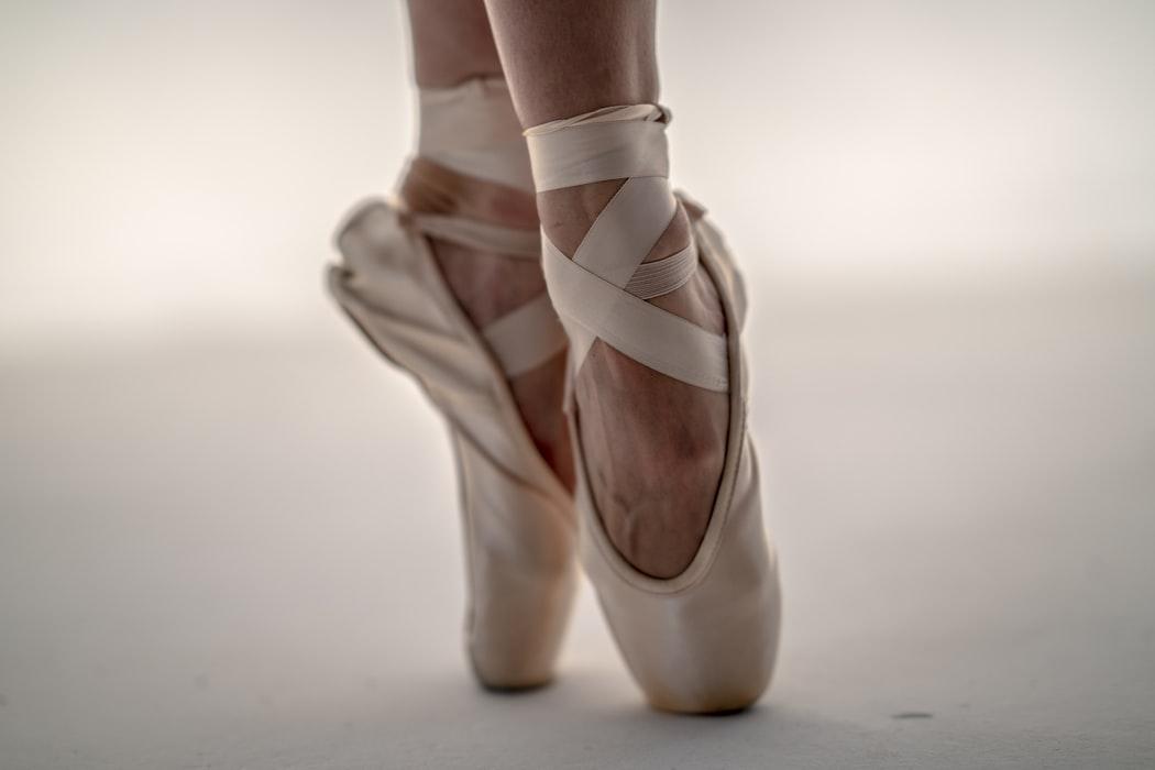 unsolash-ballet-spitzen