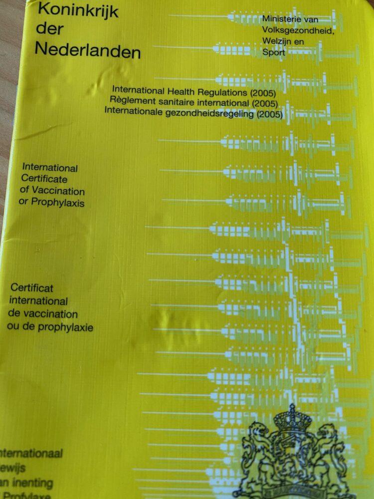 gele vaccinatieboekje